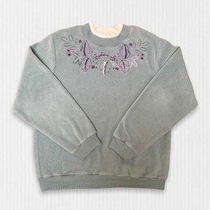 VTG Alia Fleece Pullover Crew Neck Sweater Sage Green Embroidered Grandmacore